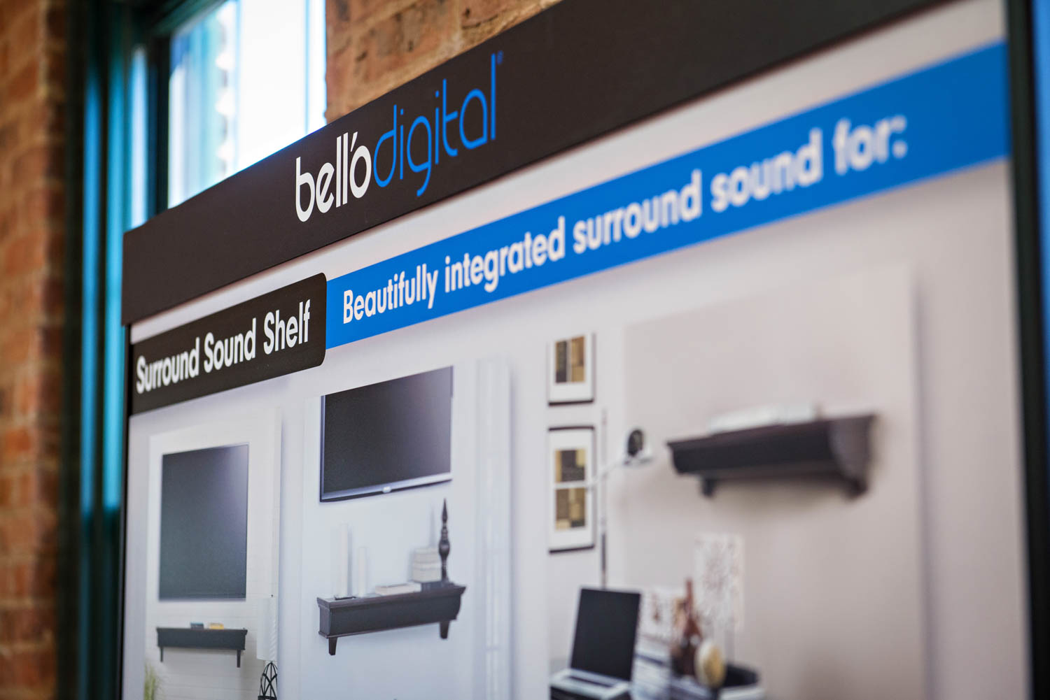 Plastic Displays for Belló Digital