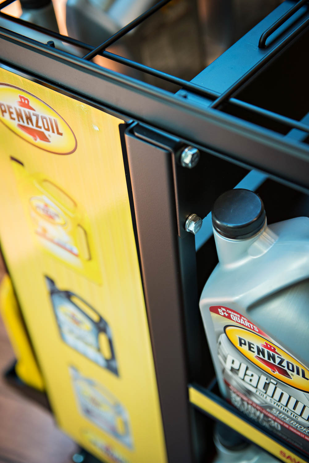 Metaline pennzoil platinum display